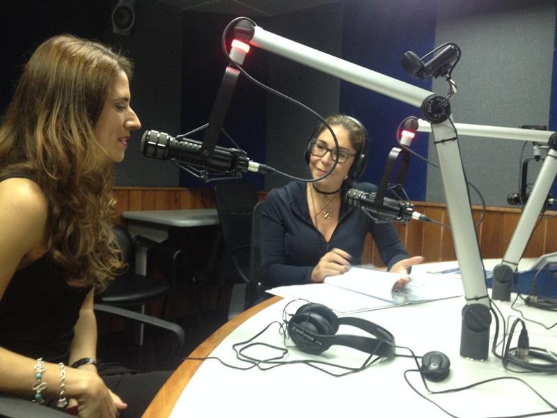 Laura Aiello con Viviana Gibelli entrevista de radio