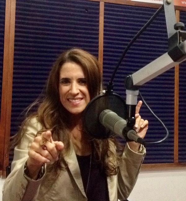 Laura en la Radio