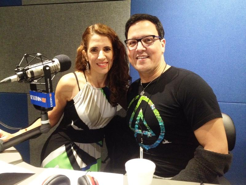 Raul TV Gonzalez entrevista a Laura Aiello en la radio